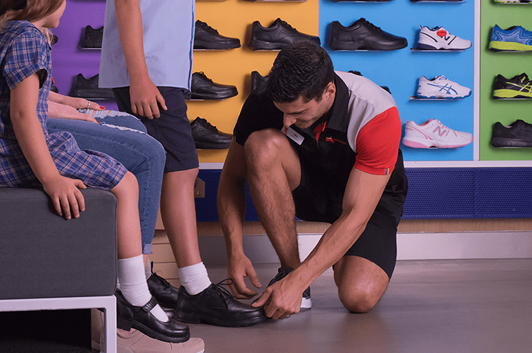 WHEN SHOULD YOUR CHILD SEE A PODIATRIST?
