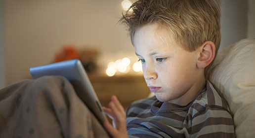CONTROLLING KIDS SCREEN TIME